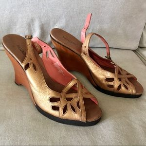Vintage Kenzie Leather Cut Out Wedge Heel 8 Gold